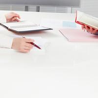 書類選考から採用通知まで